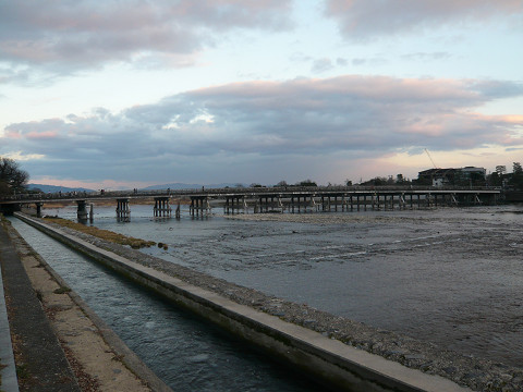 夕暮れ前 渡月橋 121.jpg